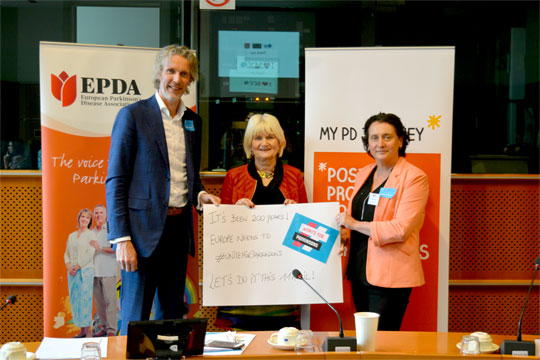 Professor Bastiaan Bloem, Irish MEP Marian Harkin and Parkinson's Association of Ireland CEO Paula Gilmore supporting the #UniteForParkinsons campaign in the European Parliament on 29 March 2017